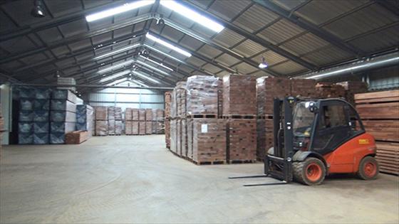 industriegebouwen-houtbewerkingsbedrijf-Kameroen_Camwood