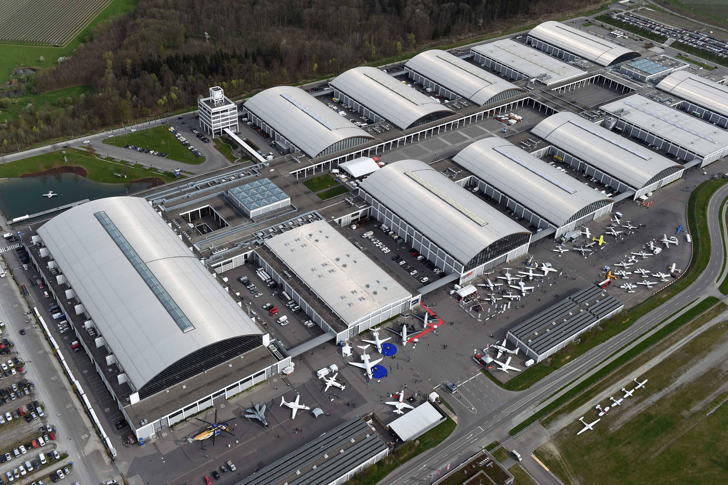 AERO Friedrichshafen_Frisomat_aicraft hangars_PRO-series